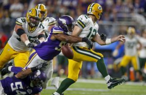 9552369-danielle-hunter-aaron-rodgers-nfl-green-bay-packers-minnesota-vikings-850x560