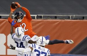 Chicago Bears wide receiver Allen Robinson catches a touchdown pass against the Indianapolis Colts